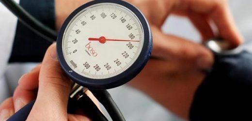 Zu hoher Blutdruck: Dahinter können hormonell bedingte Krankheiten stecken