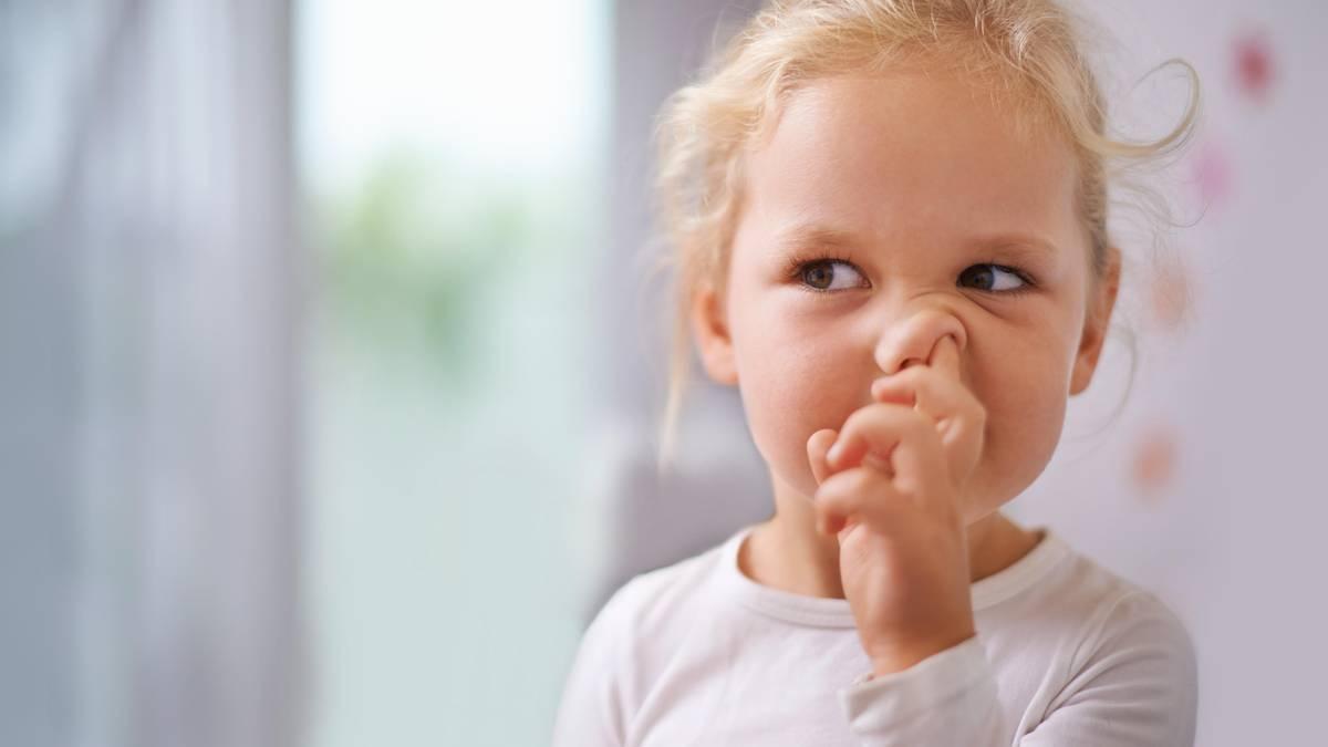 Finger bitte aus der Nase – so schädlich kann Nasebohren sein