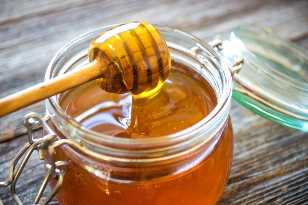 Diät: Einfaches Honigwasser sehr hilfreich beim Abnehmen