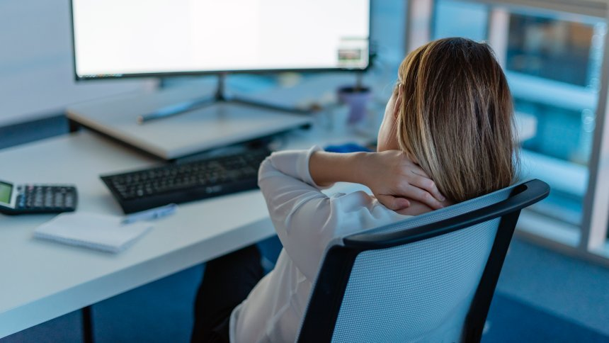 Gesunde Haltung vor dem Bildschirm – so geht's